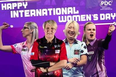 Female Darts Players