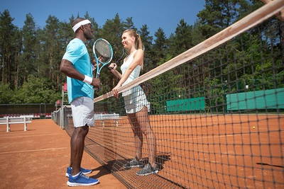 Tennis Man vs Woman